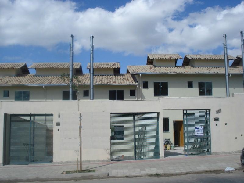 Casa geminada no Jardim Leblon - 5931
