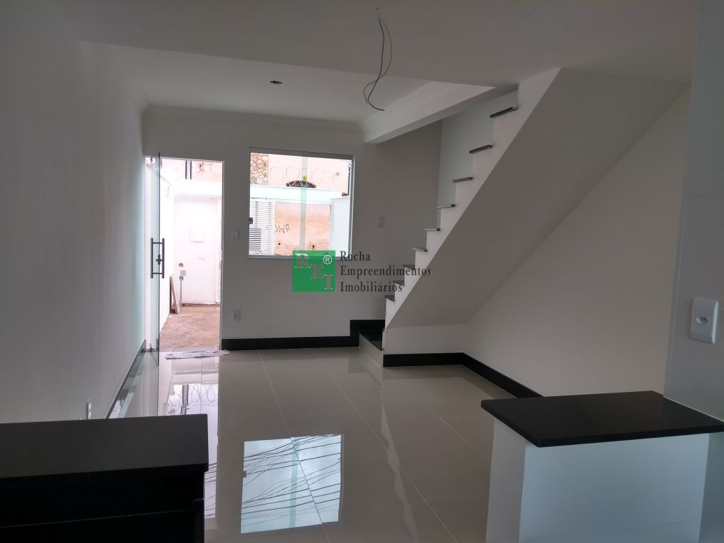 Casa - Planalto - Belo Horizonte - R$  305.000,00