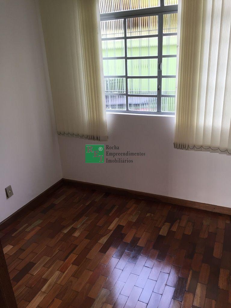 Casa geminada coletiva - Planalto - Belo Horizonte - R$  950,00