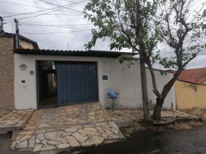 Casa   Bela Vista (Varginha)   R$  1.200,00