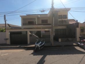 Casa   Vila Pinto (Varginha)   R$  4.000,00