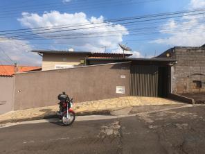 Casa   Jardim Atlântico Sul / Jardim Simões (Varginha)   R$  410.000,00