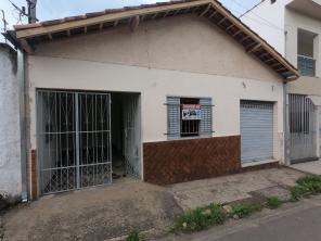 Casa   Centro (Varginha)   R$  220.000,00