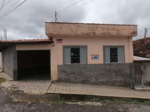 Casa   Bom Pastor (Varginha)   R$  1.100,00