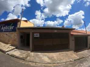 Casa   Vila Adelaide (Varginha)   R$  1.900,00