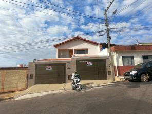 Casa   Bom Pastor (Varginha)   R$  1.350,00
