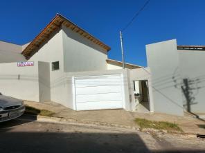 Casa   Residencial Alto Pinheiros (Varginha)   R$  900,00