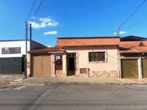 Casa   Vila Mendes (Varginha)   R$  700,00