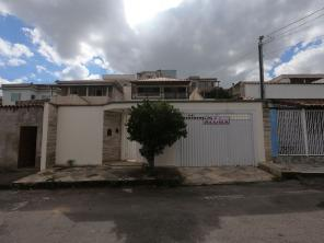 Casa   Bela Vista (Varginha)   R$  1.300,00