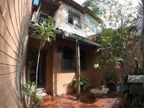 Casa geminada   Santa Rosa (Belo Horizonte)   R$  325.000,00