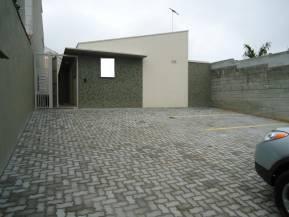 Casa geminada coletiva   Vila Oliveira (Mogi Das Cruzes)   R$  700,00
