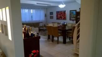 Casa em condomínio   Cond. Barcelona (Uberlândia)   R$  1.200.000,00