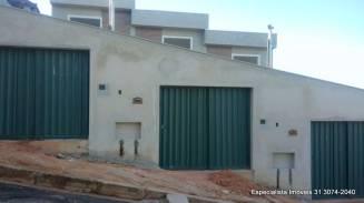 Casa geminada   Novo Centro (Santa Luzia)   R$  230.000,00