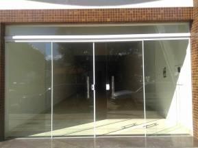 Loja   Centro (Oliveira)   R$  2.500,00