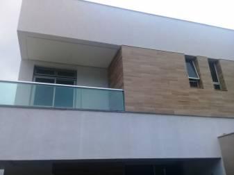 Casa geminada   Centro (Contagem)   R$  587.900,00
