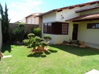 Casa   Alvorada (Contagem)   R$  670.000,00