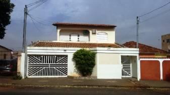 Casa comercial   Brasil (Uberlândia)   R$  3.800,00