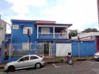 Casa comercial   Centro (Uberlândia)   R$  2.000,00