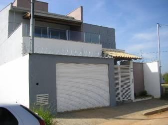 Casa   ( Cafezal ) Fausto Pinto Fonseca (NOVA SERRANA)   R$  800.000,00