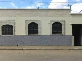 Casa   Centro (Pedro Leopoldo)   R$  700,00