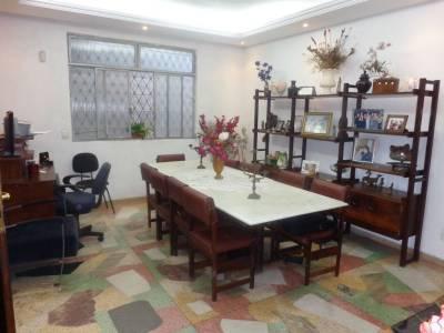 Casa de 345,00m²,  à venda