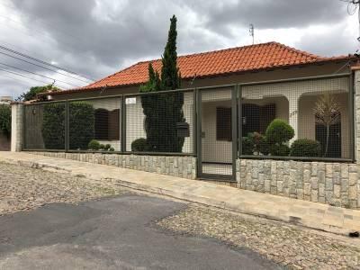 Casa de 330,75m²,  à venda