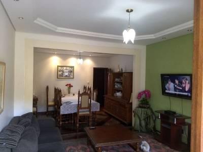 Casa de 227,73m²,  à venda