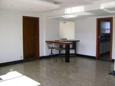 Apartamento de 122,10m²,  à venda
