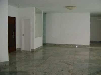 Apartamento de 206,00m²,  para alugar