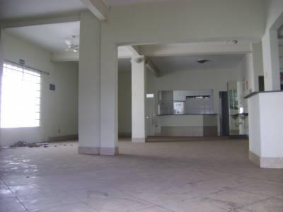 Casa de 261,00m²,  para alugar