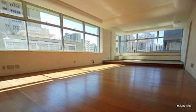 Apartamento de 373,00m²,  à venda