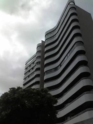Apartamento de 198,00m²,  para alugar