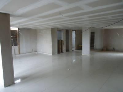 Área privativa de 121,79m²,  à venda