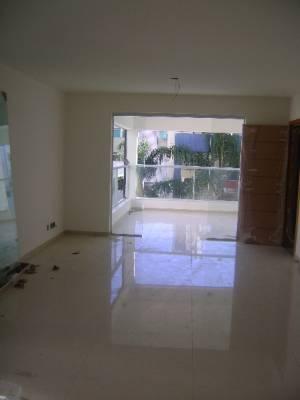 Área privativa de 235,00m²,  à venda