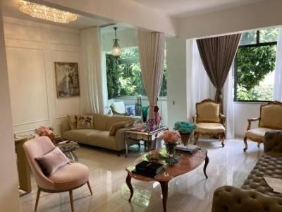 Apartamento de 132,00m²,  à venda