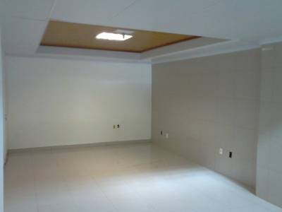 Sala de 419,48m²,  à venda