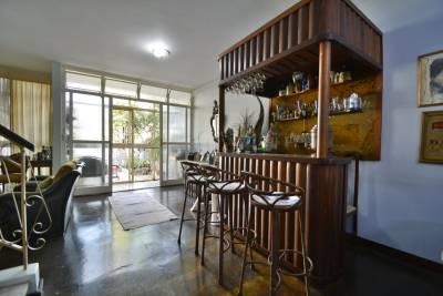 Casa de 242,00m²,  à venda