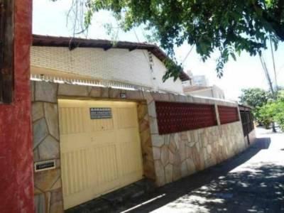 Casa de 308,00m²,  à venda