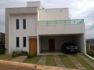 Casa em condomínio de 330,00m²,  à venda