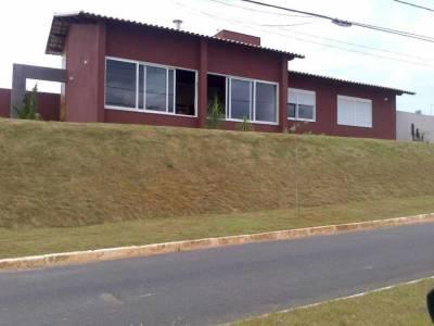 Casa em condomínio de 244,00m²,  à venda