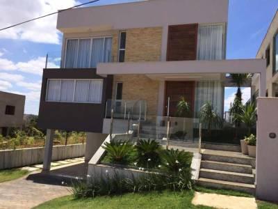 Casa em condomínio de 388,00m²,  à venda