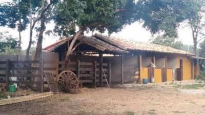 Fazenda de 200,00m²,  à venda