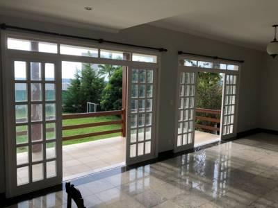 Casa em condomínio de 400,00m²,  para alugar