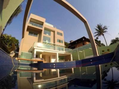 Casa de 850,00m²,  à venda