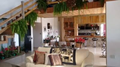 Casa em condomínio de 665,00m²,  à venda