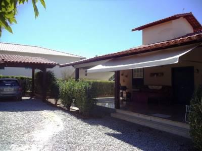 Casa em condomínio de 236,57m²,  à venda