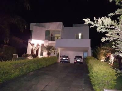 Casa em condomínio de 436,00m²,  para alugar
