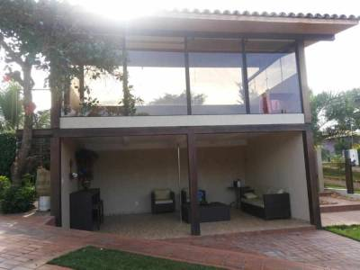 Casa em condomínio de 412,00m²,  para alugar