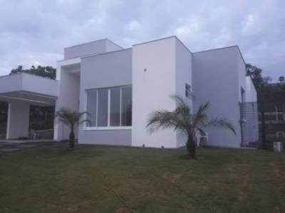 Casa em condomínio de 216,00m²,  à venda