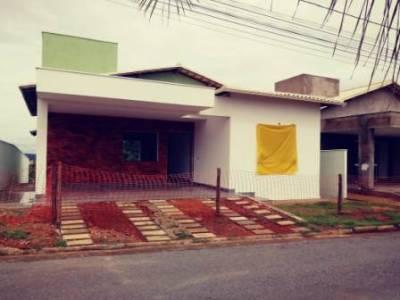 Casa de 140,00m²,  à venda